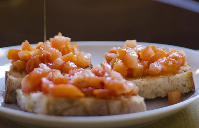 Crostone al pomodoro - Menù